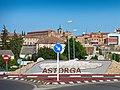 La Concha del Peregrino, símbolo del Camino de Santiago, entrada a Astorga.jpg