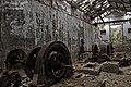 La maquinaria de la antigua central hidroeléctrica, oxidada y aburrida - panoramio.jpg