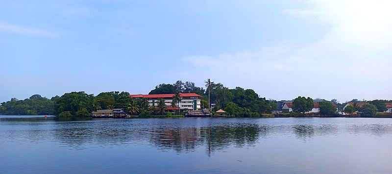 Ashtamudi Backwaters, Kollam