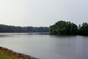 Lake murphysboro 1 (2238805196).jpg