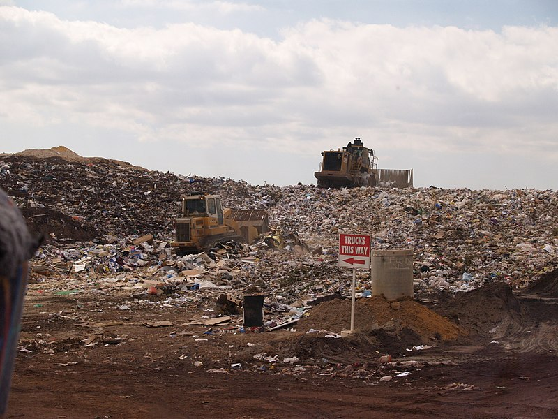 File:Landfill face.JPG