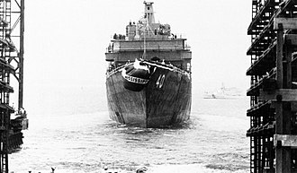 USS Mississippi (CGN-40) - Mississippi is launched from Newport News in July 1976