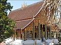 Le Vat That (Luang Prabang) (4337201881).jpg