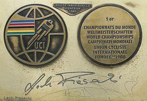 Lech Piasecki - Image: Lech Piasecki medal & autograph