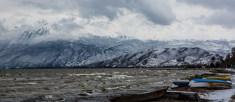 File:Liqeni Ohrit. Pogradec.jpg
