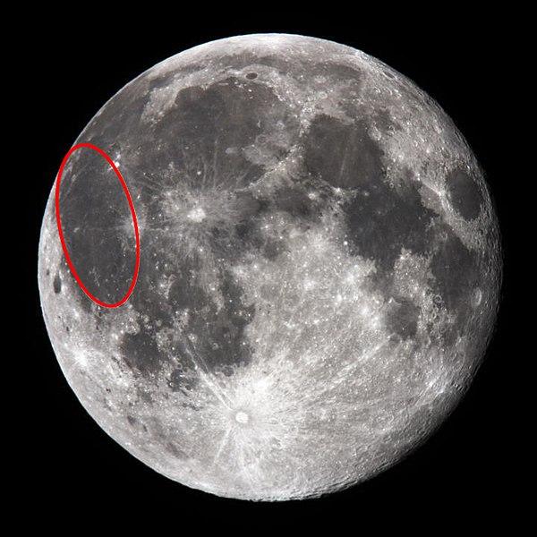 Oceanum Procellarum - Ozean der Stürme - dunkler Flecke auf dem Mond