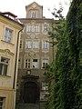 Měšťanský dům U Nejsvětější Trojice, U kameník (Malá Strana), Praha 1, Šporkova 10, Malá Strana.JPG