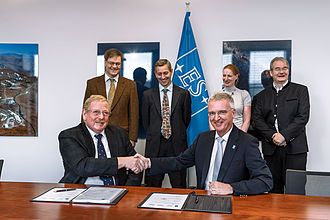 Max Planck Institute for Extraterrestrial Physics - Image: MICADO agreement signed