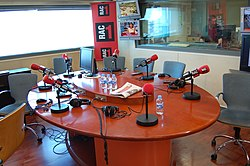MINORIA ABSOLUTA I LA SEGONA HORA - RAC1 - 30 JUNY 09 (3675551460).jpg
