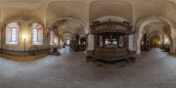 MK 30772-94 Kloster Eberbach Laienrefrektorium.jpg