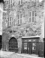 Maison - Façade- partie basse - Embrun - Médiathèque de l'architecture et du patrimoine - APMH00029775.jpg