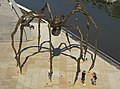 Maman (1999) Skulptur einer Spinne von Louise Bourgeois vor Guggenheim-Museum am Nerion Bilbao Spnien Foto Wolfgang Pehlemann DSC00335.jpg