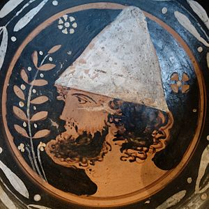 Pileus (hat) - Ancient Greek red-figure plate from Apulia, third quarter of the 4th century BC, Louvre
