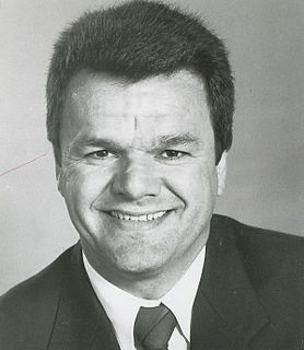 Marcel Dionne Canadian ice hockey player