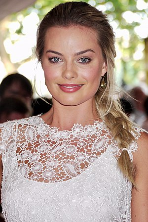Margot Robbie at Somerset House in 2013 (cropped).jpg