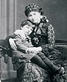 Maria z Krasińskich Raczyńska z synem Karolem Rogerem.jpg