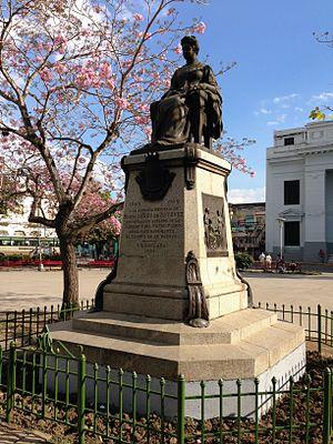 Marta Abreu - Statue of Marta Abreu in Parque Vidal