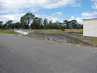 Matarawa railway station - Loading bank.