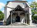 Mensignac église porche (1).JPG