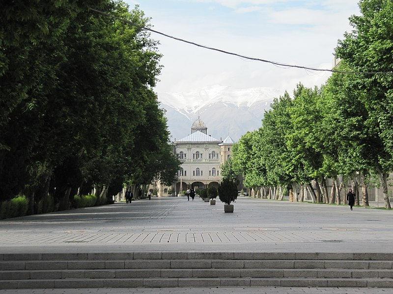 File:Meydan Mashgh Tehran2.jpg
