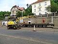Michle, U plynárny, rekonstrukce TT, nakládání kolejnic (02).jpg
