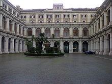 Il cortile interno del Palazzo delle Finanze, sede storica del Ministero del Tesoro italiano