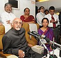 Mohd. Hamid Ansari interacting with the accompanying media onboard on his way to Delhi,. The Minister of State for Commerce & Industry (Independent Charge), Finance and Corporate Affairs.jpg