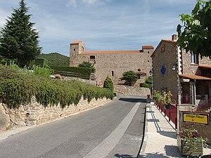 Montbolo - The road into Montbolo