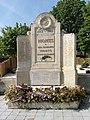 Monts - monument aux morts.jpg
