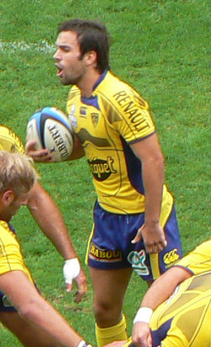 Morgan Parra - Parra directing his forwards