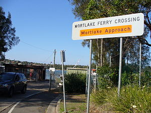 Mortlake Ferry - Sign announcing the Mortlake approach to the Ferry