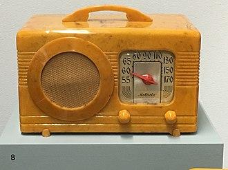 Motorola - Motorola Model 50XC (1940) radio, made of Catalin