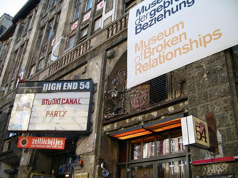 Museum of Broken Relationships in Berlin 20071023.jpg