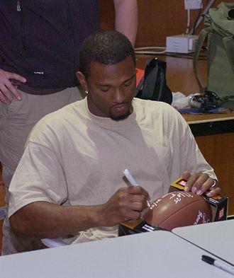 Nick Harper (American football) - Image: Nick Harper signs autograph