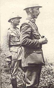 Ο Πάγκαλος (αριστερά) με τον στρατηγό Νίδερ, 1917