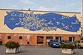 Obchodní středisko s mozaikou Řeka květů, Litomyšl 2019 (1).jpg