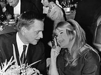 Olof Palme and Lena Nyman at the Guldbagge Awards 1968.jpg