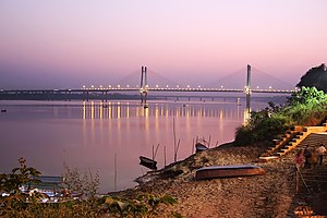 New Yamuna Bridge - Image: On the banks of New Yamuna bridge, Allahabad