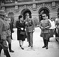 Ontvangst van Prinses Juliana en prins Bernhard bij het Bondspaleis in Bern, Bestanddeelnr 252-1991.jpg