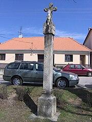 socha P. Marie a boží muka
