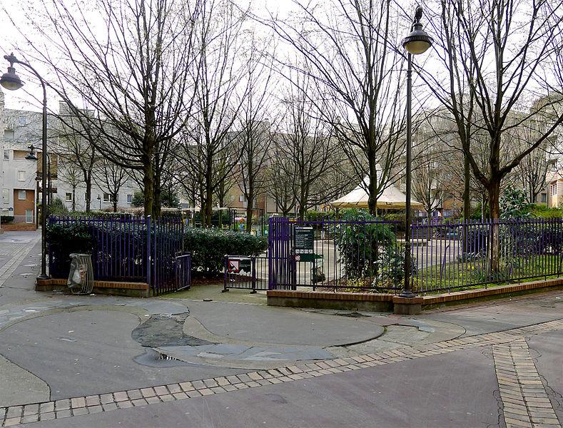 Fichier:P1230537 Paris XX square de la Salamandre rwk.jpg