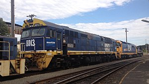 Pacific National - 8013 at Port Kembla Downer EDi