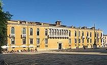 Palazzo Loredan in Campo Santo Stefano (Venice).jpg