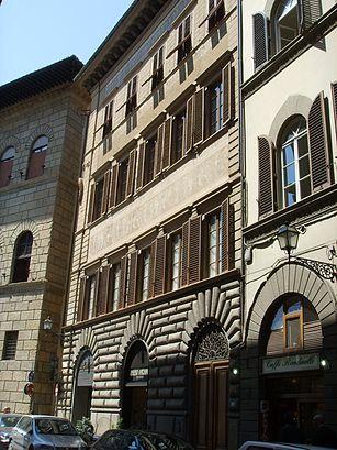 Come arrivare a Via De\' Rondinelli a Firenze con Bus?   Moovit