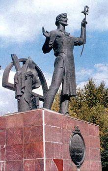 памятники в центре ижевска