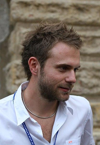 http://upload.wikimedia.org/wikipedia/commons/thumb/9/98/Paolo_Giordano.jpg/416px-Paolo_Giordano.jpg
