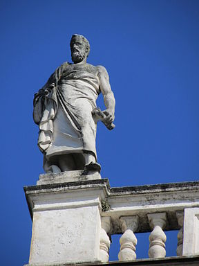 Parapet figure of Aristotle (384 - 322 BC) on the roof of the main building of the University of Graz.JPG