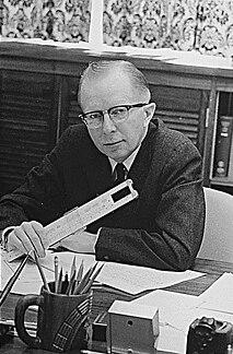 Paul McCracken (economist) American economist
