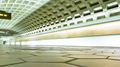 Pentagon City station, January 2005 -04- (50077202016).png