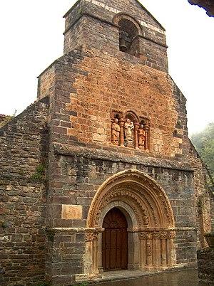 Cabezón de Liébana - Romanesque church of Santa María de Piasca, Principal facade (12th century).